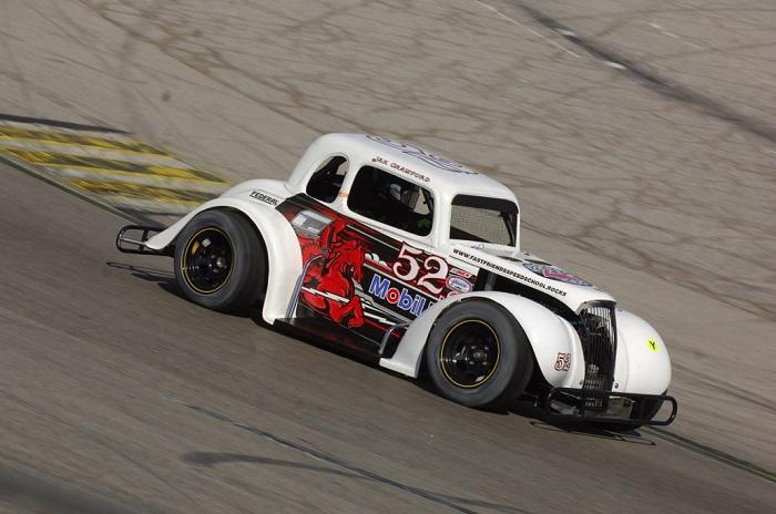 Jak Crawford vince il campionato nazionale invernale in Inex Legends Car