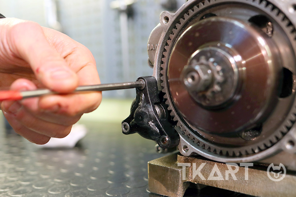 How to check and replace the clutch of the IAME X30 engine