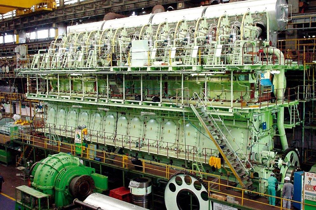 двигатель танкера фото масс-медиа диктуют